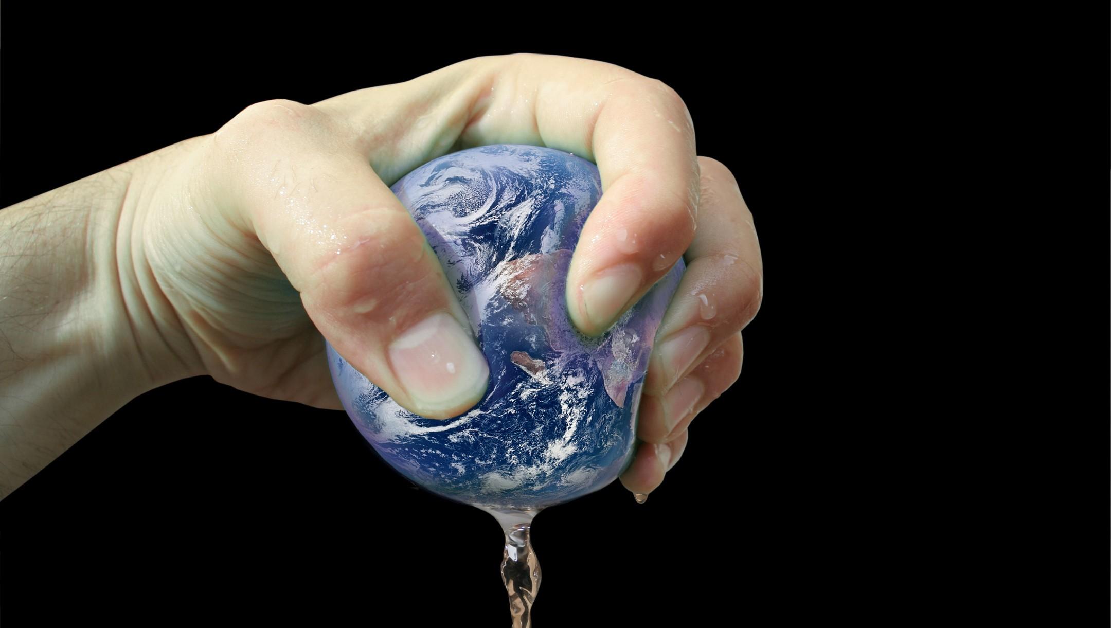 Wir quetschen unsere Erde nur us
